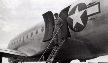 MacArthur Arrives in Japan